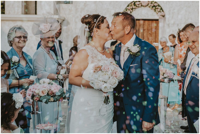 anassa-wedding-confetti