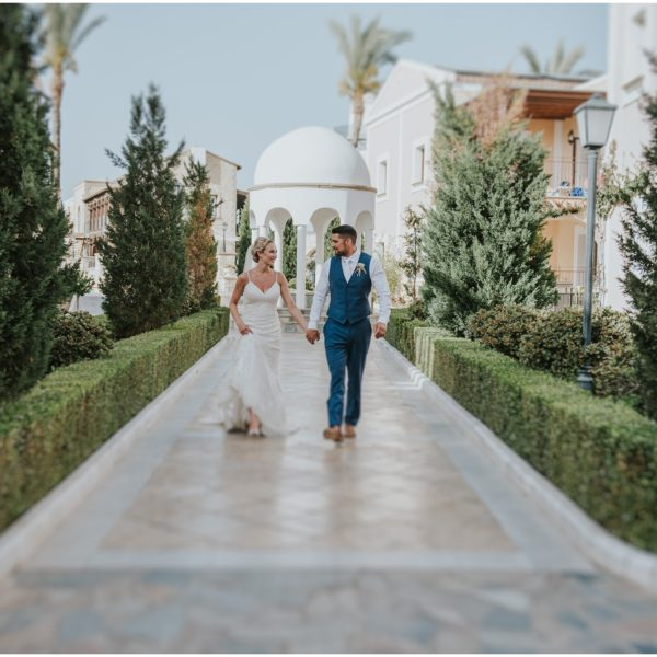 {Sneak peek}  Cloe & Liam - Aliathon Holiday Village wedding